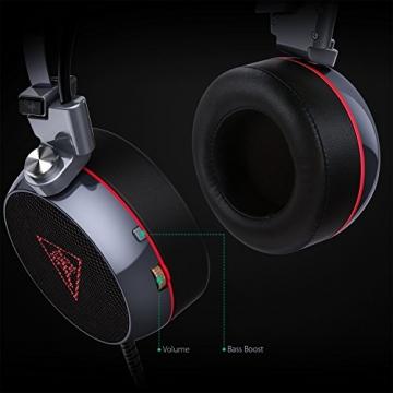 AUKEY Gaming Headset Virtuelle 7.1 Kanal Stereo RGB Hintergrundbeleuchtung Geräuschunterdrückung Gaming Kopfhörer Over-Ear Flexible Mic, Vibrations Schalter und Lautstärkeregler - Schwarz und Silber - 4