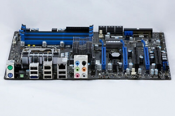MSI X58 PRO Sockel Intel 1366 Mainboard Motherboard + 2x SATA Kabel + Blende ✪