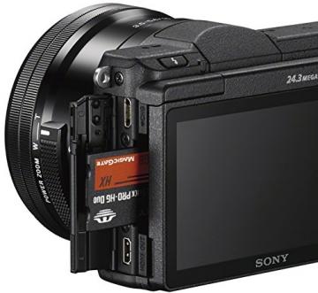 Sony Alpha 5100 Systemkamera mit ultraschnellem Hybrid-AF (180° drehbares 7,62 cm (3 Zoll) LC-Display, 24,3 Megapixel, Exmor APS-C Sensor, Full HD Video) inkl. SEL-P1650 ✪